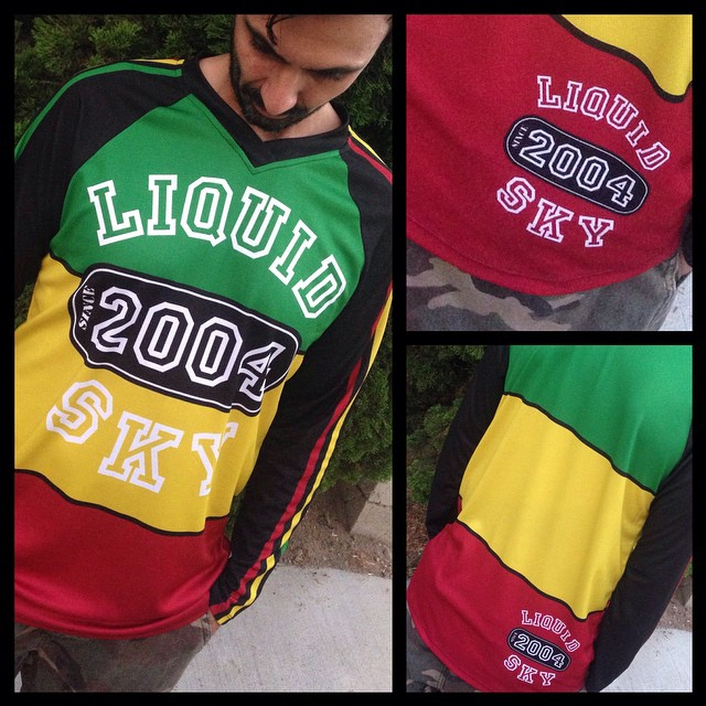 Rasta Liquidsky jersey order urs now email us to julio@liquidskysports.com with your size. Jerseys are not recommended for high winds #liquidsky #liquidskysports #customclothing #burbank #sexy #hotpants #underlayer #skydiving #freeflysuits #InstaSize
